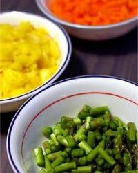 Kuhano povrće preliveno maslacem
