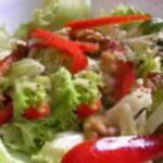 Salata od riže s paprikom i rajčicom