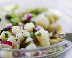 Salata sa krumpirom i jabukama