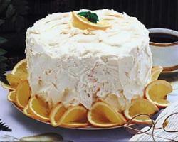 Torta od orha s tucenim slatkim vrhnjem