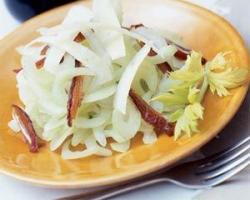 Salata od kuhanog celera