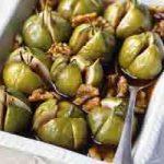 Pečene smokve s mascarponeom, narančom, pistacijima i pecivima