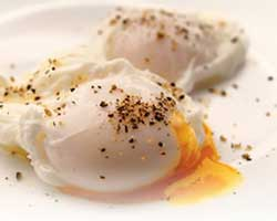 Pečena-jaja-sa-šunkom