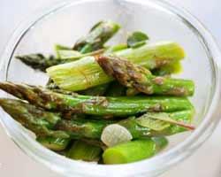 Salata-od-šparoge