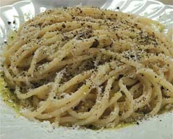 Špagete sa sirom i orasima