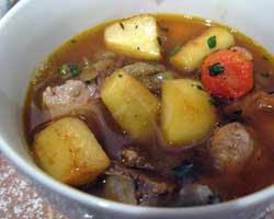 Varivo od krumpira sa svinjskim nožicama