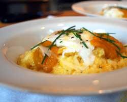 Zapečeni žganci s jajima i sirom