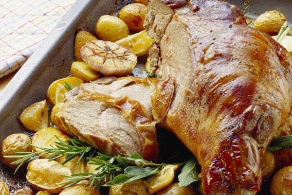 3 jednostavna, a preukusna mesna jela za uskrsni stol