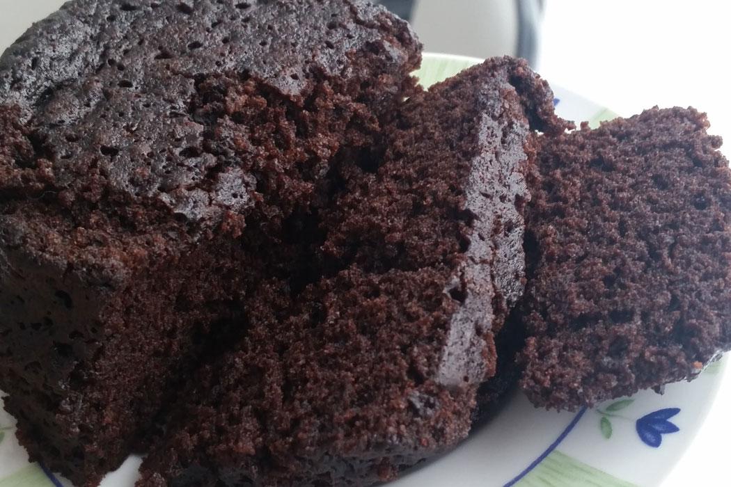 Čokoladni kolač s domaćim sastojcima gotov u 5 minuta