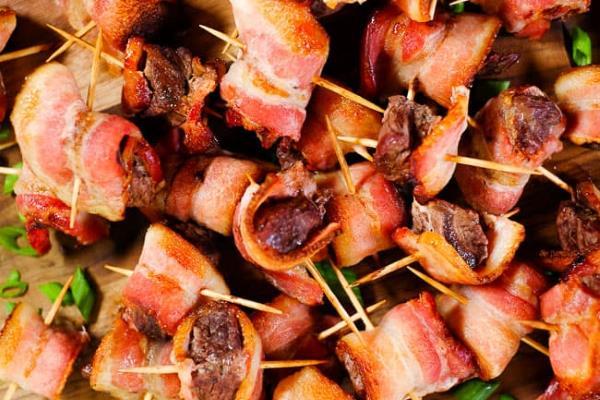 Savijeni svinjski odresci na roštilju