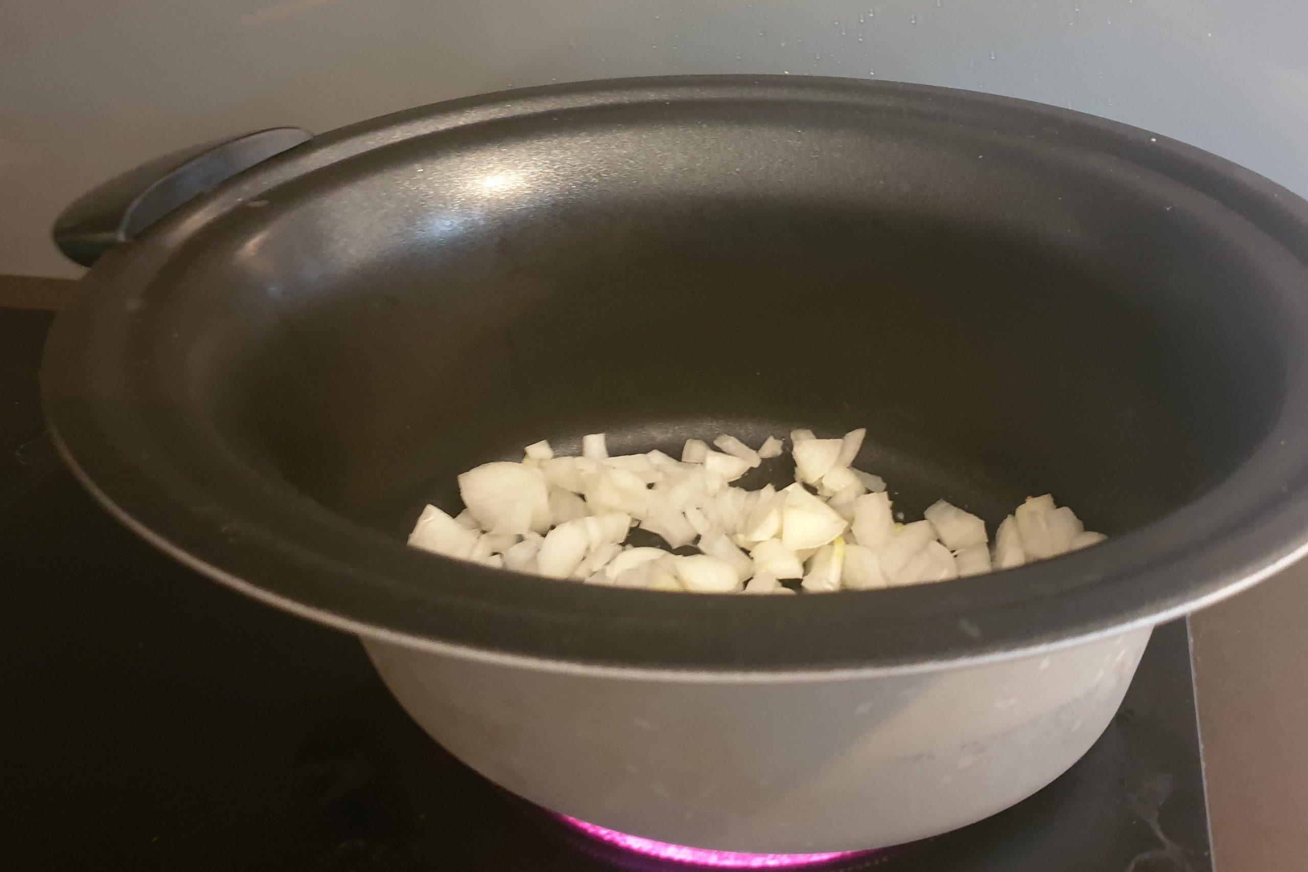 Pileći paprikaš od bataka u u sporom kuhalu – Slow Cooker