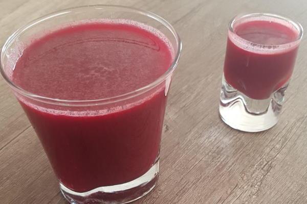 Vitaminski sok od cikle, mrkve i limuna