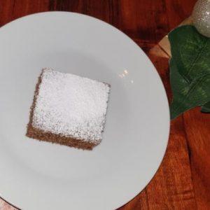 Božićni biskvit kolač s rogačem